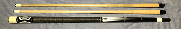 Very popular model 17b. Made in 2007. Like new condition. This cue will go quick!